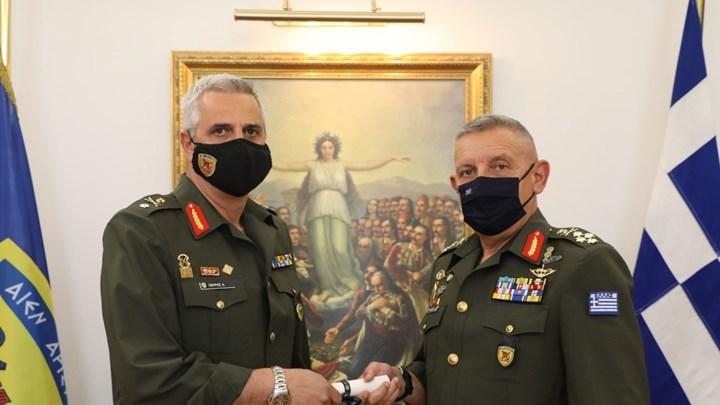 Ο Ταξίαρχος του Στρατού που οργάνωσε τα Mega εμβολιαστικά κέντρα - ΦΩΤΟ