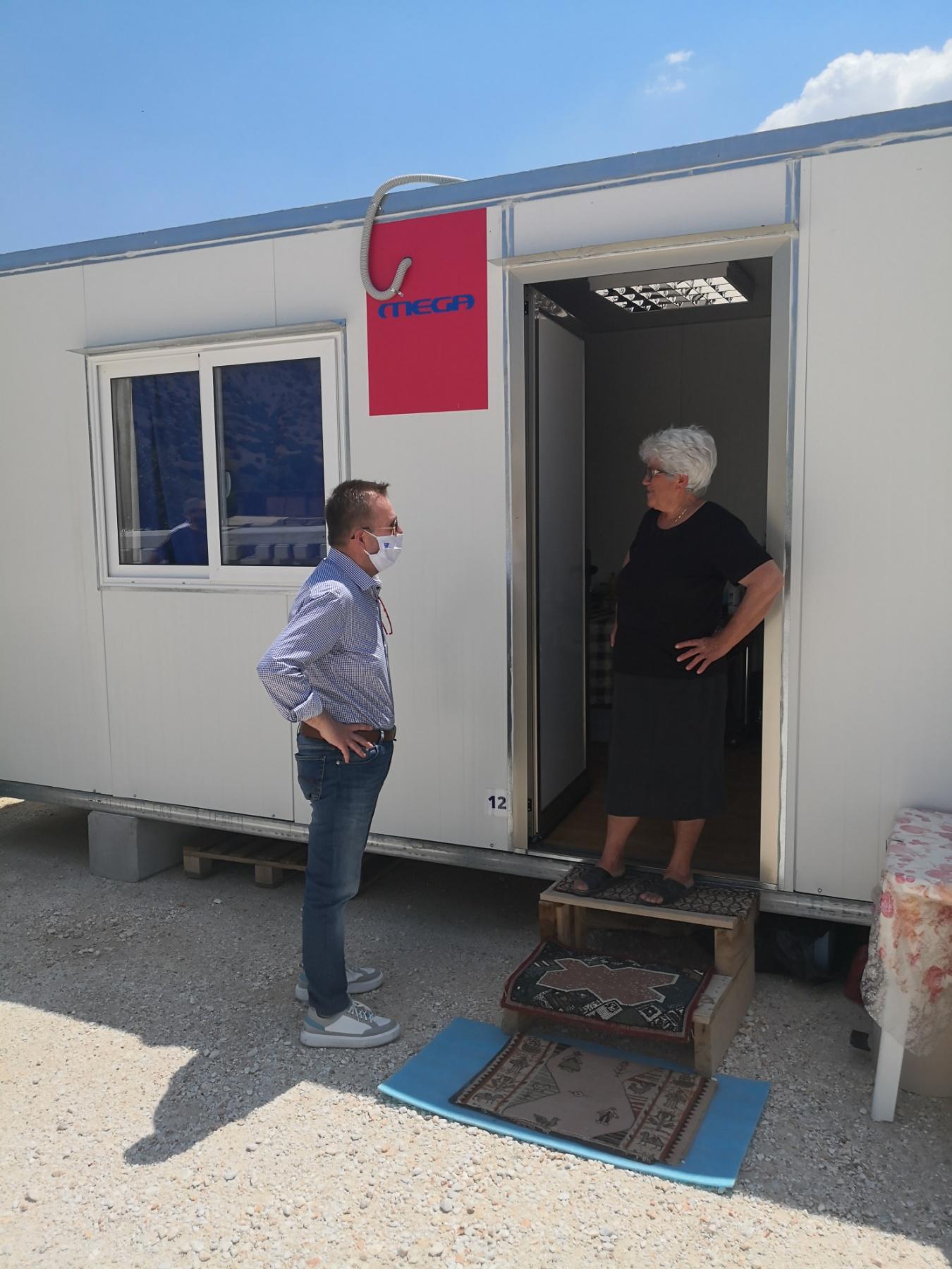 Κόκκαλης από Δαμάσι: Ο Πέτσας έδωσε 600 ευρώ και άφησε τους σεισμόπληκτους στο έλεος του Θεού