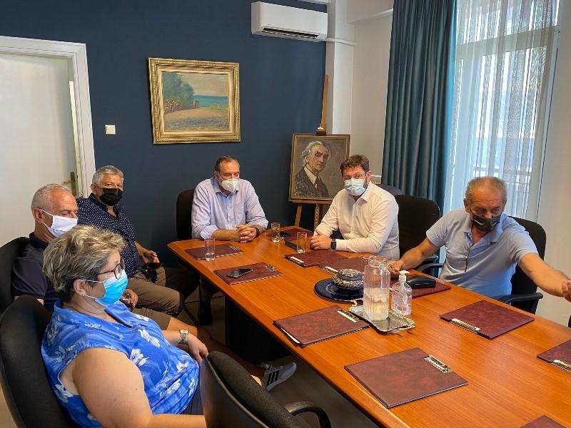 Με επίσκεψη στον Τύρναβο ολοκλήρωσε την περιοδεία του στην ΠΕ Λάρισας ο Κώστας Ζαχαριάδης