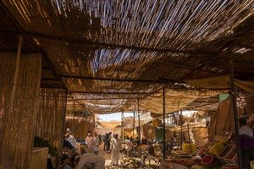Halte à Rissani. jour de marché