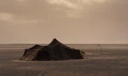 campement nomade dans le désert