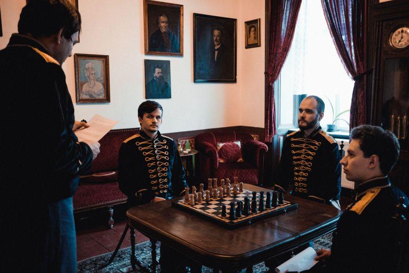 Páni pri šachovej partii