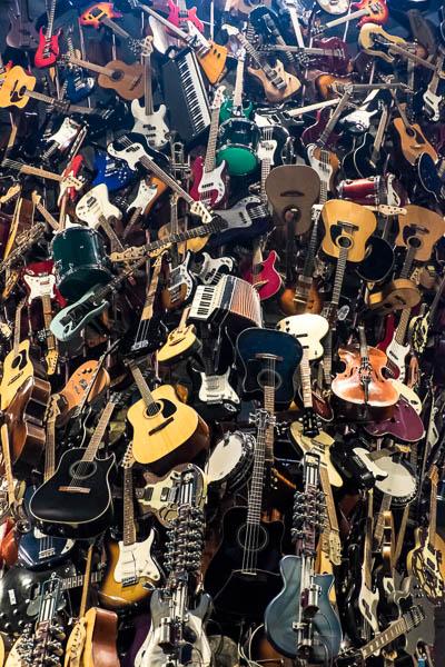 POTD: That Old Beat Up Guitar