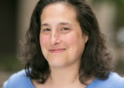CNET Senior Imagaging Editor Lori Gruning (Photo CNET)
