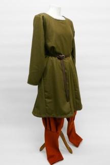 haithabu-wikinger-waldgruen-seite