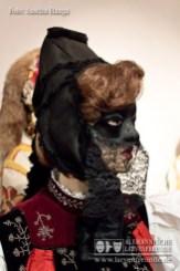 Auch das Gretle als weibliche Begleitung trug in früheren Zeiten üblicherweise eine Maskierung