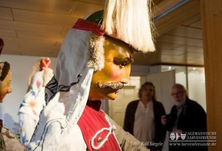 Im Schömberger Narrenmuseum werden kostbare alte Narrenkleider aufbewahrt - unter ihnen auch die beiden alten Husaren