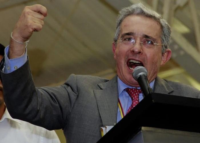 """""""Álvaro Uribe es lo mejor que le ha pasado a este país"""""""