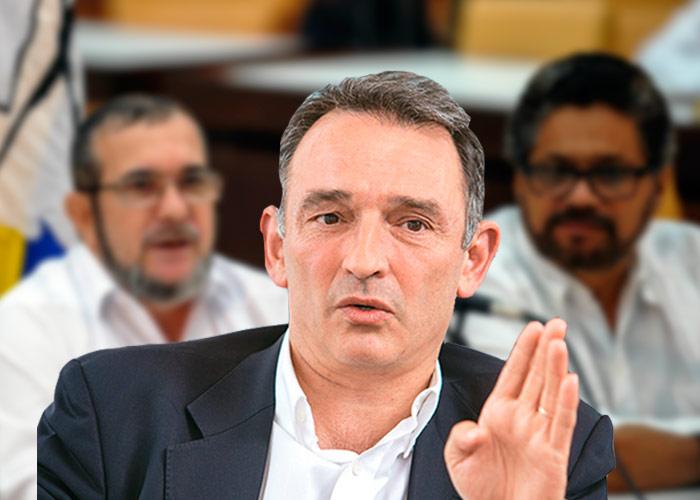 """""""El plebiscito no tiene ninguna validez jurídica"""": Enrique Santiago"""