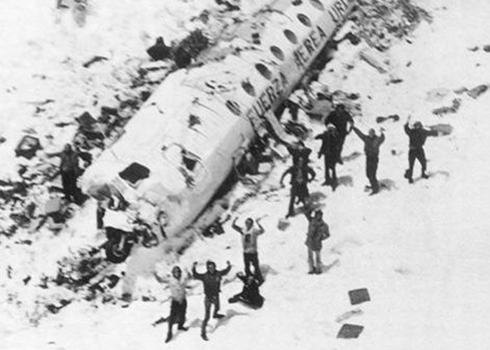 El equipo de Rugby que sobrevivió a un accidente aéreo comiendo cadáveres