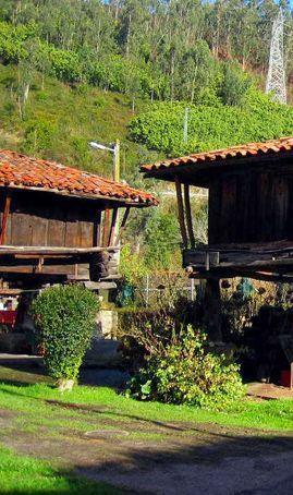 Bueño, el pueblo de los Horreos