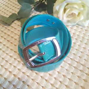 Cinturón azul charol las caprichosas