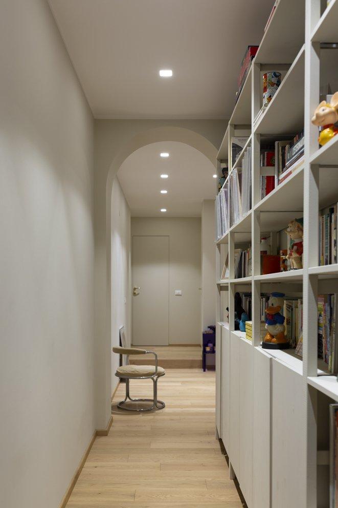 corridoio con ingresso ad arco milano interior design