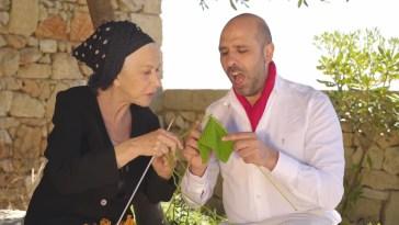 Checco Zalone con Helen Mirren nel nuovo video: La Vacinada