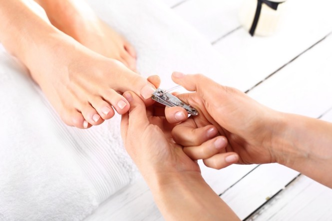 Fungus May Bee An Issue With Artificial Toenails