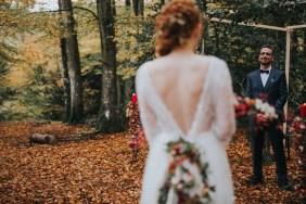 cérémonie-laïque-mariage-automne-forêt-la-soeur-de-la-mariee-blog-mariage