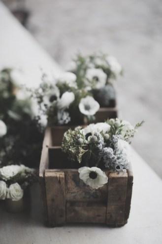 Anémone blanche pour une décoration de mariage en hiver