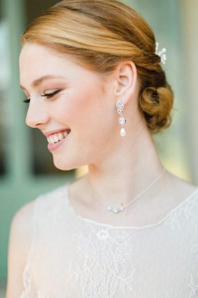 """Boucles d'oreilles mariée pendante """"Eliette"""" au charme rétro et chic"""