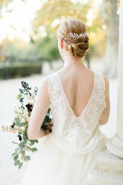 """Peigne de mariée """"Julia"""" avec bourgeons en porcelaine"""