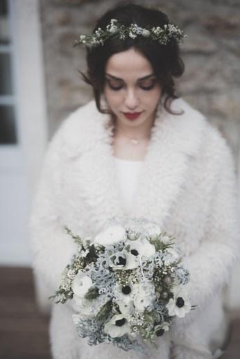 Couronne et bouquet de mariée en hiver