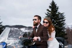 Arrivée des mariés en moto-neige