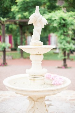 Fontaine blanche et chic