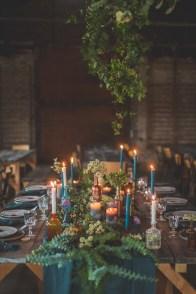 Table de mariage cuivre et bleu pétrol