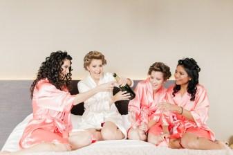 les-preparatifs-de-la-mariee-et-demoiselles-dhonneur-la-soeur-de-la-mariee-blog-mariage (12)