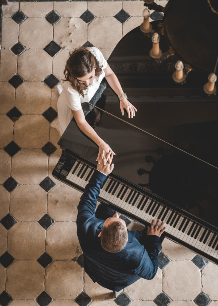 couple-piano
