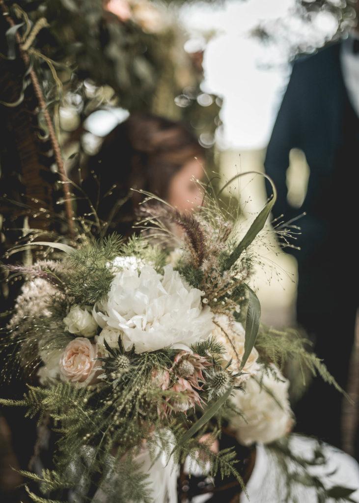 decoration-fleurs-fauteuil-emmanuelle