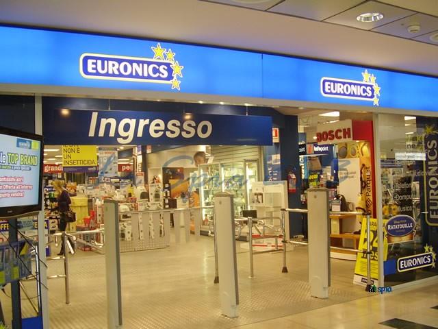 Svaligiato Euronics Al Centro Commerciale Ibleo Di Ragusa