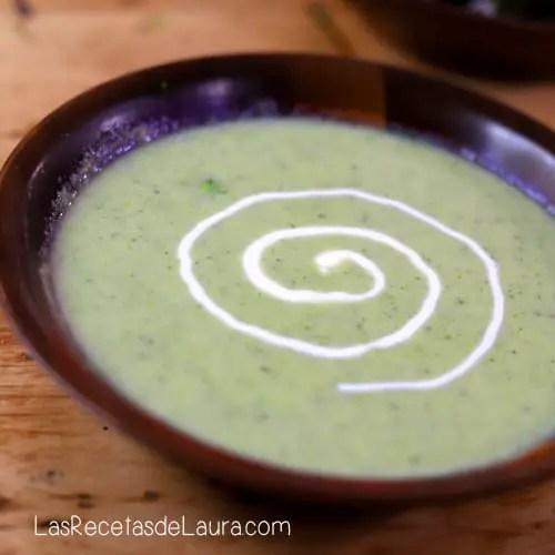 Crema de brócoli con queso - receta fácil