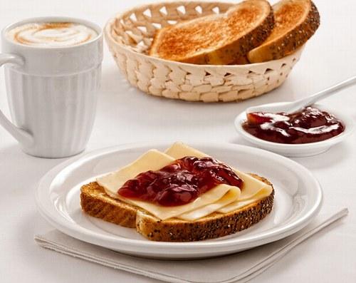 desayuno-con-tostada