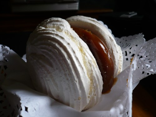 Merengue y dulce leche