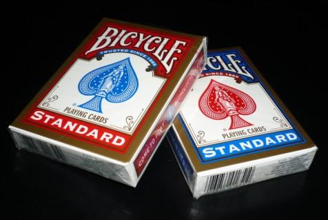 Bicycle Rider Back (Old Case). Mazzi di carte, giochi di prestigio, libri e dvd di magia in vendita su http://lassonellamanica.com .