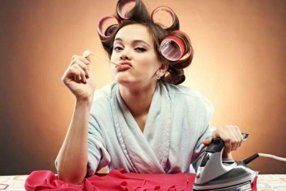 Lavoratrice e casalinga: assicurazione doppia?