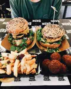 Veggie challenge eetdagboek 3: een week vol burgers