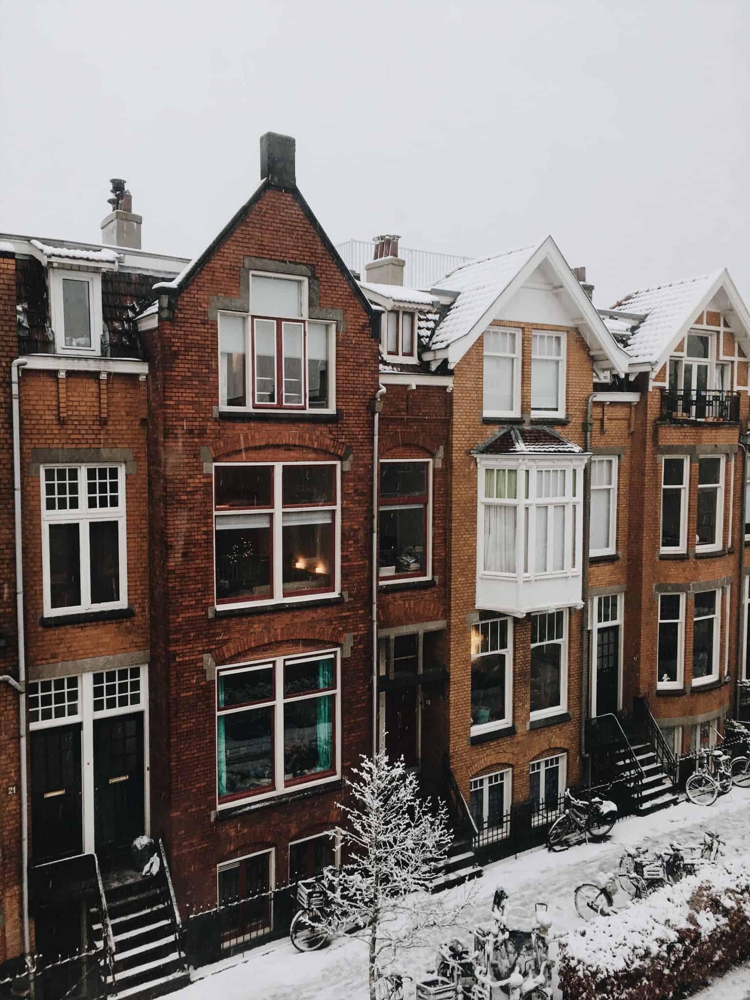 Diary week 49: spontane kinderfeestjes, Sinterkerst & sneeuw!
