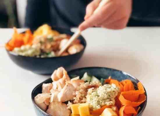 pokébowl met kip en quinoa
