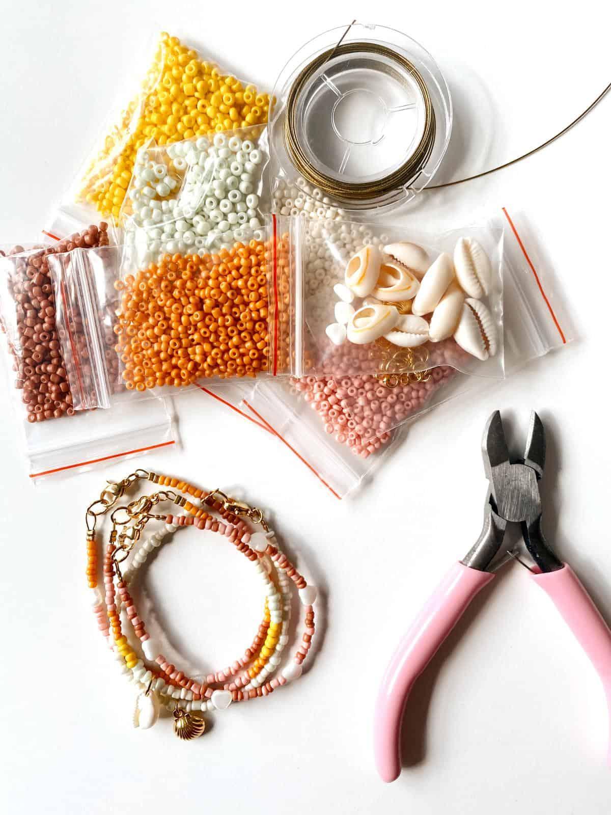 inhoud DIY armbandjes pakket