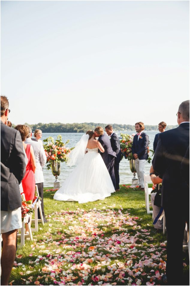 Lake_Minnetonka_Wedding_0183.jpg