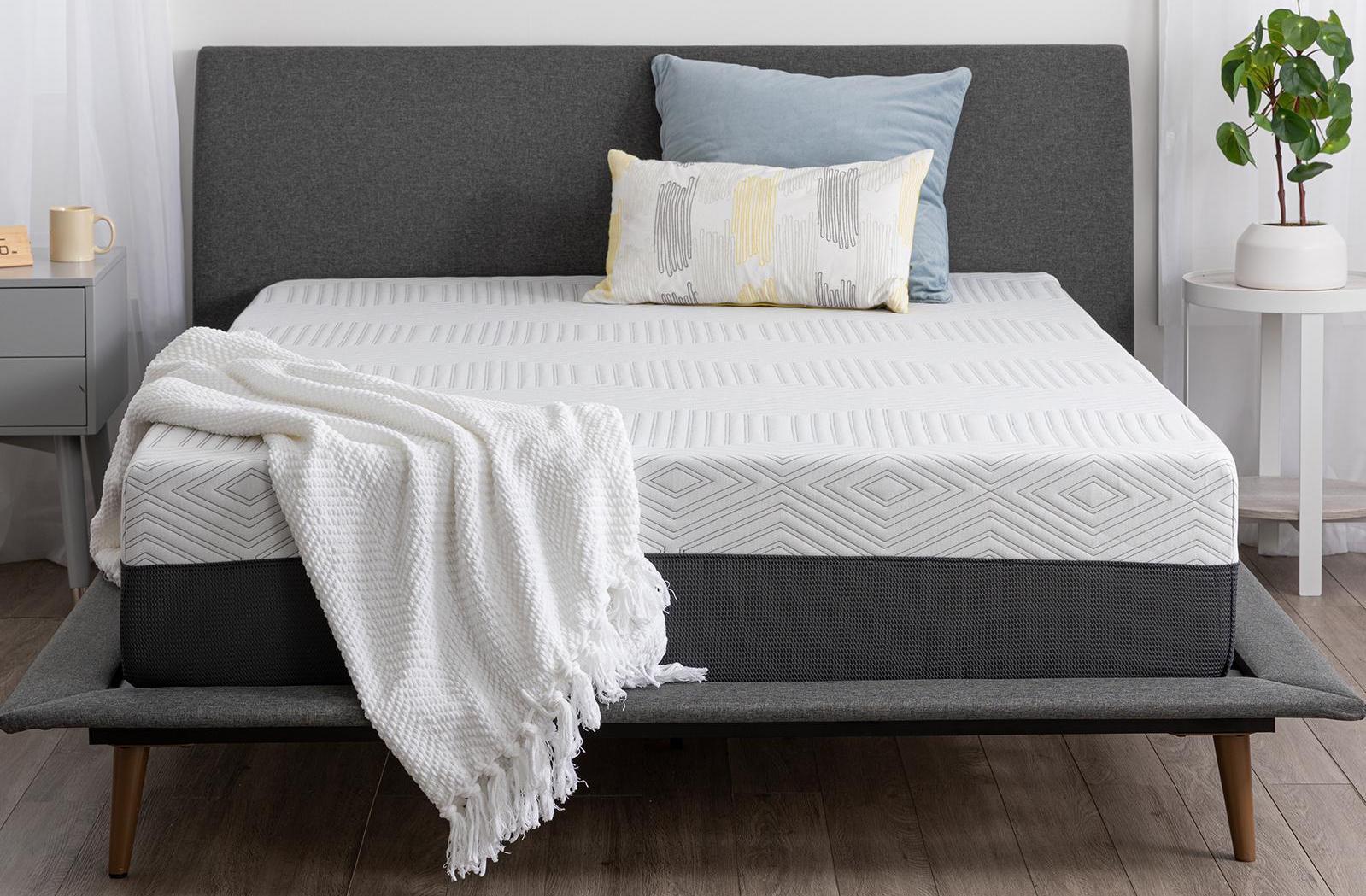 curve premium plush cooling memory foam mattress