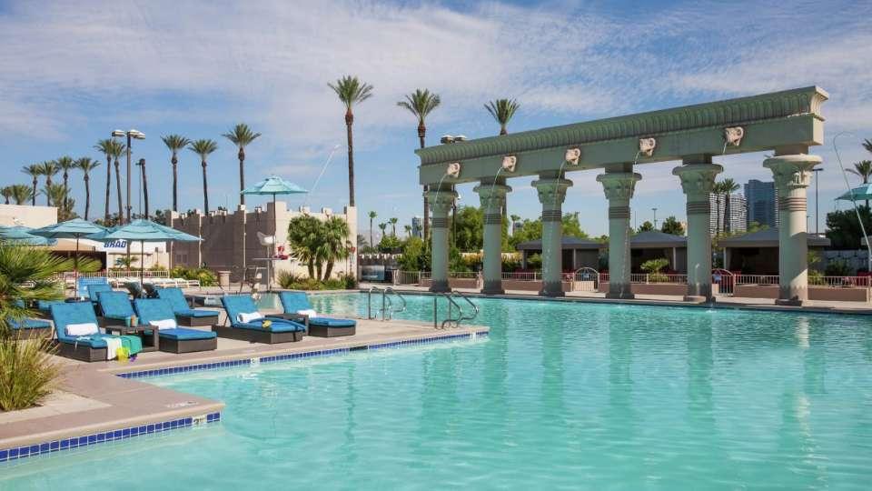 Luxor hotel casino las vegas - Public swimming pools north las vegas ...