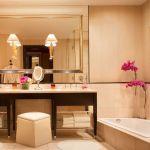 Encore Las Vegas Tower King Suite Bathroom