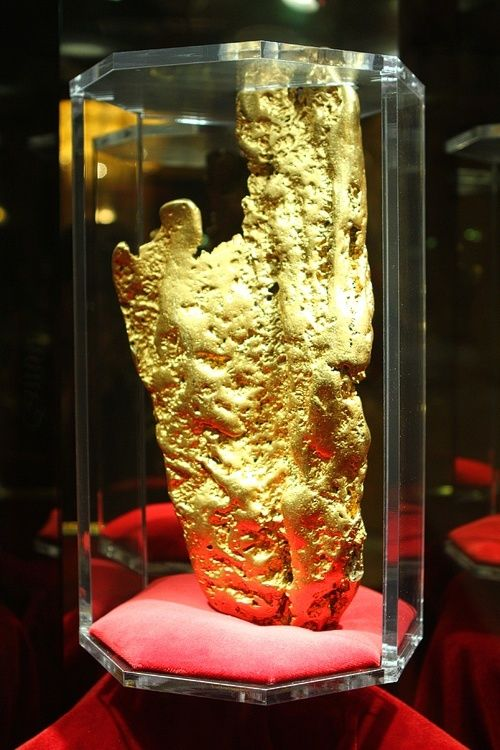 Hand of Faith World Largest Gold Nugget at the Golden Nugget Las Vegas