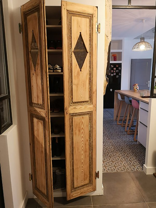APRES : Rénovation des portes et création d'un placard à chaussures grâce à l'upcycling