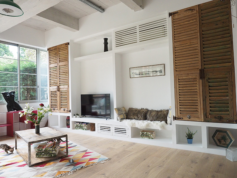 APRES - Le résultat : un salon chic, élégant, chaleureux et fonctionnel