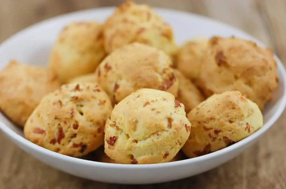 Petits choux au fromage