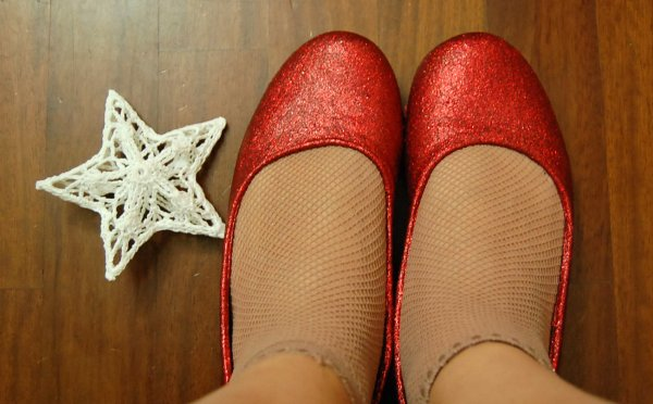 dorothy e le scarpe rosse glitterate