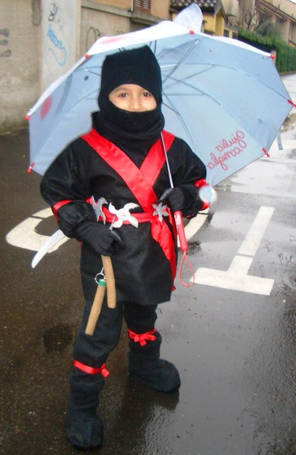 ninja sotto la pioggia